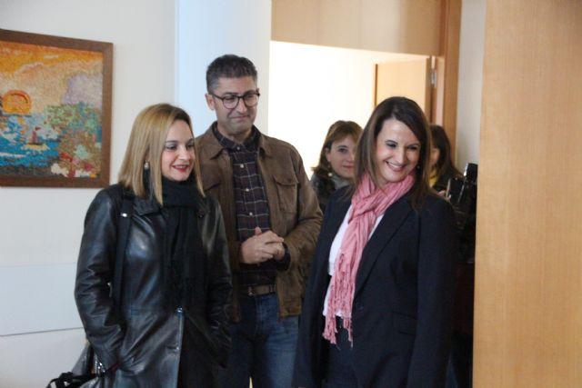 La directora gerente del IMAS visita la residencia de mayores de Alhama, Foto 1