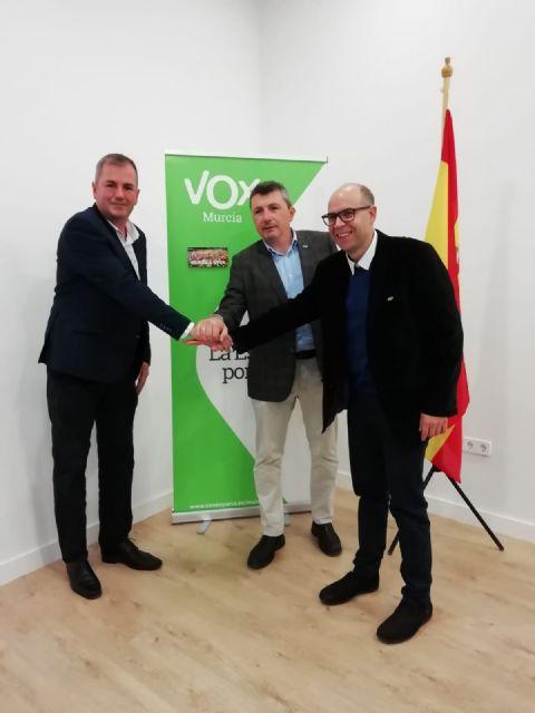 VOX da la bienvenida al concejal del Ayuntamiento de San Pedro del Pinatar Pedro Fenol Andreu - 1, Foto 1