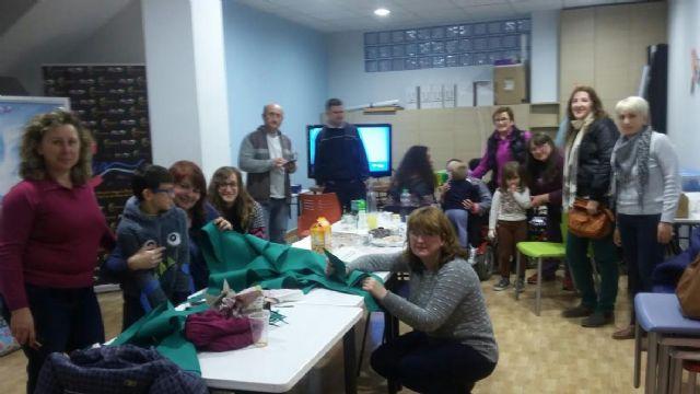 D´Genes y AELIP dan la bienvenida a la Navidad con un taller navideño en el Centro Multidisciplinar Celia Carrión Pérez de Tudela - 2, Foto 2
