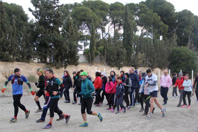 Más de medio centenar de personas participan en la subida a la sima del Cabezo de la Jara - 2, Foto 2