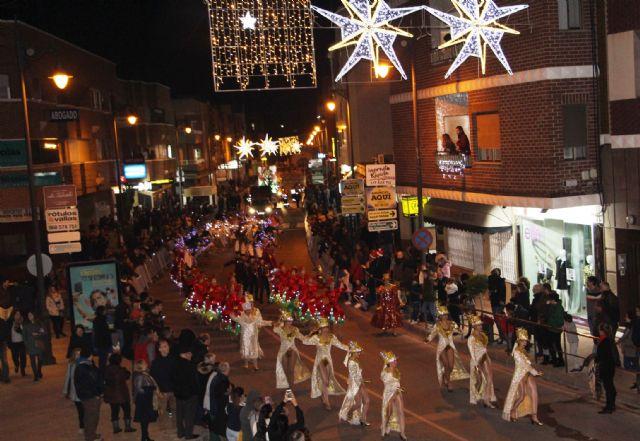 Papá Noel recorre las calles de San Pedro del Pinatar en la cabalgata Fantasía de Navidad - 1, Foto 1