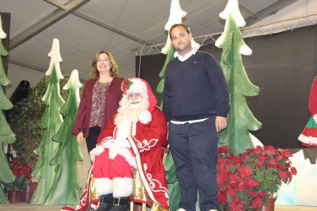 Papá Noel recorre las calles de San Pedro del Pinatar en la cabalgata Fantasía de Navidad - 4, Foto 4
