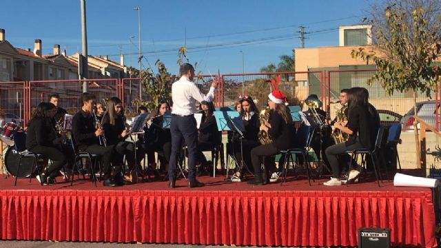 Concert of Christmas of the choir and the band of the Juan de la Cierva and Codorníu 2018 Institute - 5