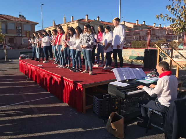 Concert of Christmas of the choir and the band of the Juan de la Cierva and Codorníu 2018 Institute - 6