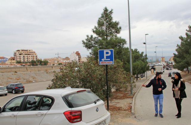 El Ayuntamiento de Puerto Lumbreras habilita una nueva zona de aparcamiento junto al mercado semanal - 1, Foto 1