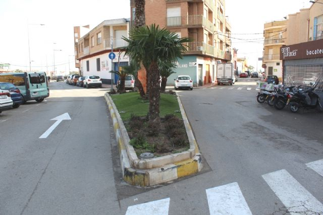 The lane that gives direct access to Cruz de Los Hortelanos Street is studied to close to road traffic, Foto 4