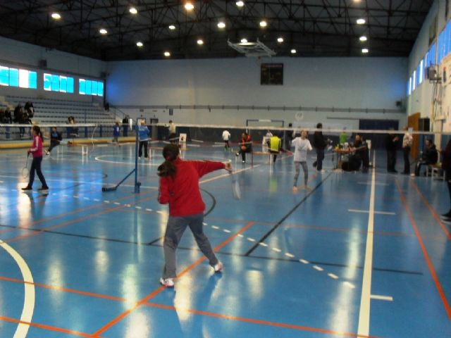 "The Regional Final Badminton School Sports he had totanera representation schools ""Juan de la Cierva"" and ""Reina Sofia"""
