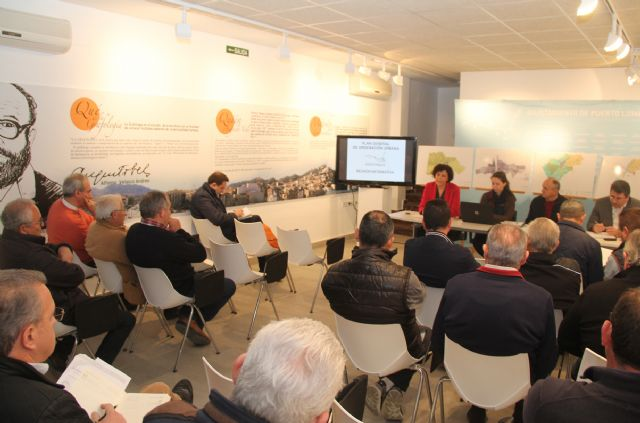 La Alcaldesa se reúne con asociaciones y colectivos del municipio para analizar el documento de avance del Plan General Municipal de Ordenación Urbana - 1, Foto 1
