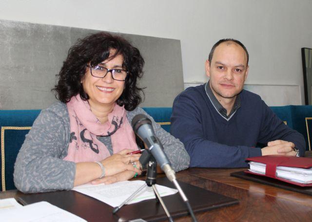 El Ayuntamiento de Cieza creará un banco de libros escolares - 1, Foto 1