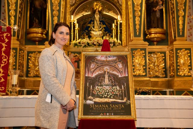 Presentados el cartel y la revista de la Semana Santa de Mazarrón, Foto 1
