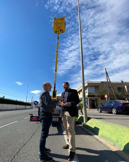El Ayuntamiento mejora la seguridad vial de la Avenida Lorca de Sangonera La Seca con la instalación de nuevas luminarias LED - 2, Foto 2