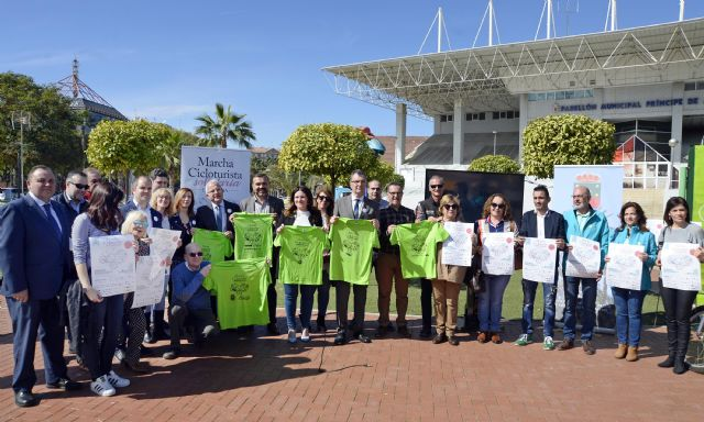 Murcia muestra su compromiso social con la VI Marcha solidaria en familia de las AMPAs - 2, Foto 2
