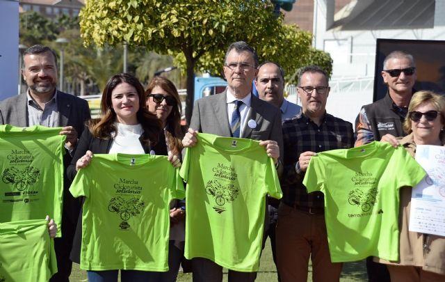 Murcia muestra su compromiso social con la VI Marcha solidaria en familia de las AMPAs - 3, Foto 3