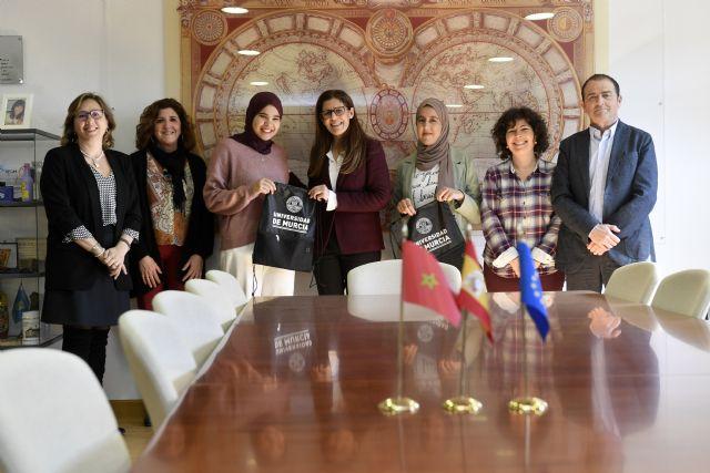 La UMU recibe a las estudiantes marroquíes del programa ´Generaciones Jóvenes como Agentes de Cambio´ - 1, Foto 1