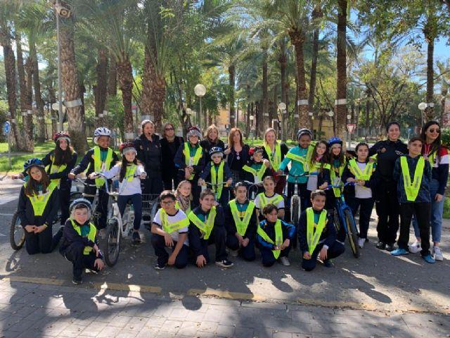 Alumnos del colegio San José de La Alberca aprenden a circular en el Parque Infantil de Tráfico - 1, Foto 1