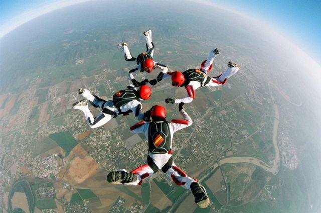 La Base Aérea de Alcantarilla acoge desde este próximo lunes el 50 Campeonato Nacional Militar de Paracaidismo y Torneo Internacional - 3, Foto 3