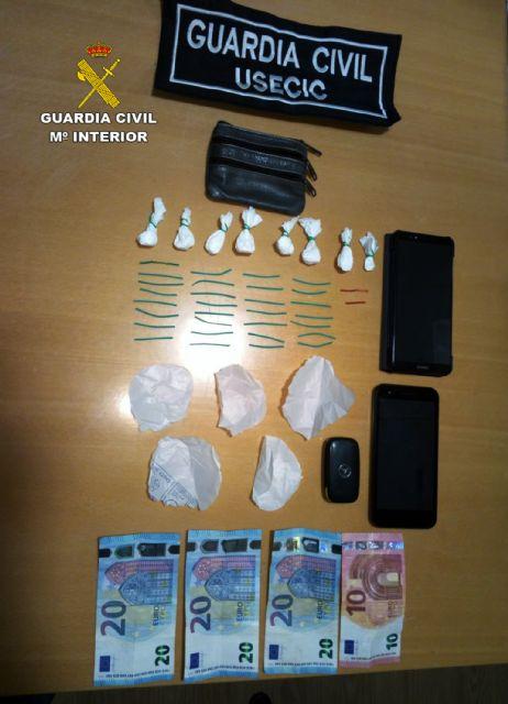 La Guardia Civil detiene in fraganti a un vecino de Murcia por tráfico de drogas - 4, Foto 4