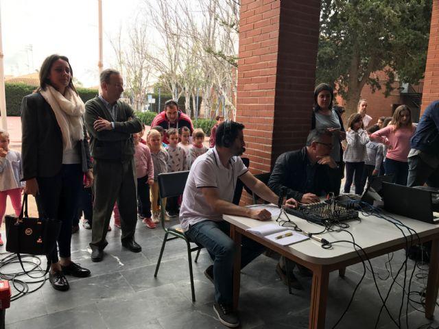 Los alumnos de Dolores de Pacheco hacen sus pinitos en el periodismo radiofónico - 5, Foto 5