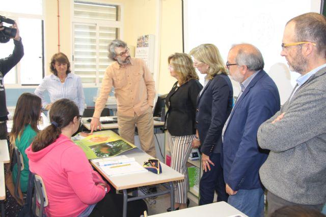 El Ayuntamiento asesora a los alumnos de los institutos del municipio sobre posibles vías formativas y laborales - 1, Foto 1