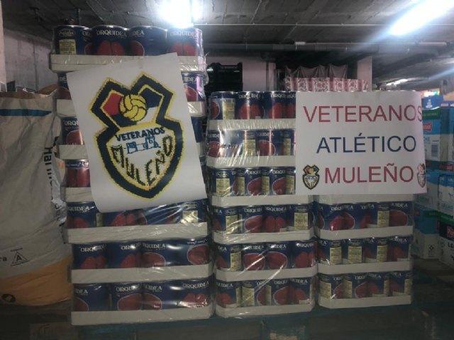 La Asociación de Veteranos de Fútbol del Atlético Muleño destina 3.000 euros al Programa Municipal de Alimentos de Mula - 1, Foto 1