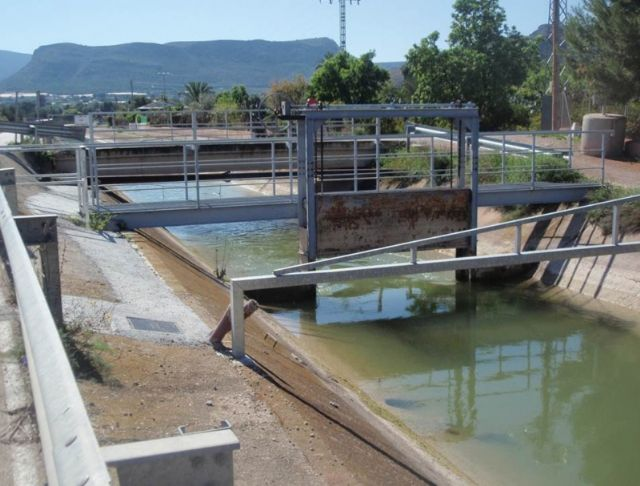 Raise a joint motion to support the Community of Irrigators for the concession of 700,000 m3 of reclaimed water from the WWTP