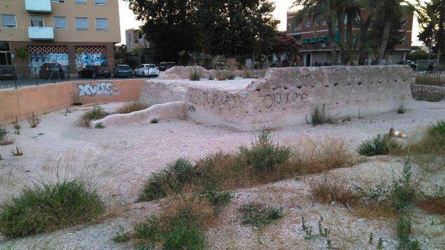 Huermur denuncia en la Guardia Civil el caos de la torre medieval de Zarandona - 1, Foto 1