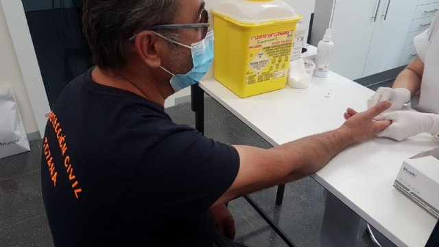 Local Police officers and Civil Protection volunteers undergo immunity tests to detect COVID-19 antibodies, Foto 2