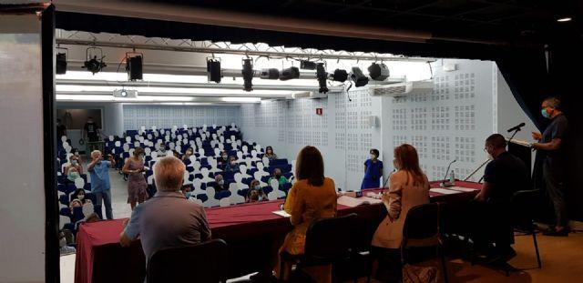 La directora del SEF entrega acreditaciones a 76 alumnos de cursos en Águilas - 1, Foto 1