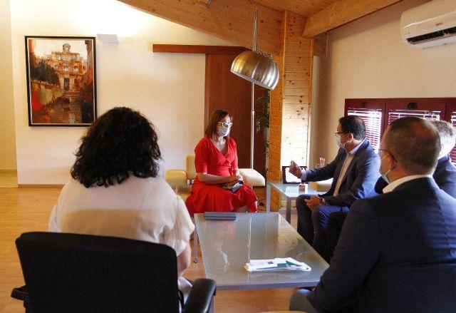 Política Social estudia con el Ayuntamiento de Mazarrón posibles usos compartidos de la residencia vacacional El Peñasco, Foto 2