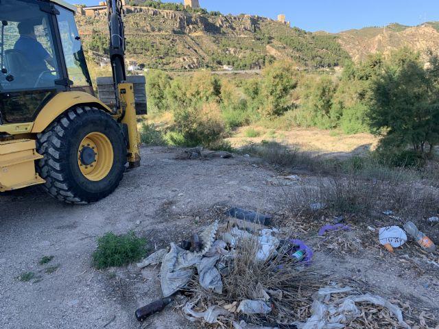 El Ayuntamiento de Lorca realiza la recogida de cerca de 254 toneladas de residuos incontrolados en un tramo del cauce del río Guadalentín - 1, Foto 1