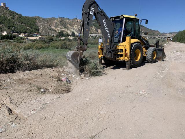 El Ayuntamiento de Lorca realiza la recogida de cerca de 254 toneladas de residuos incontrolados en un tramo del cauce del río Guadalentín - 2, Foto 2