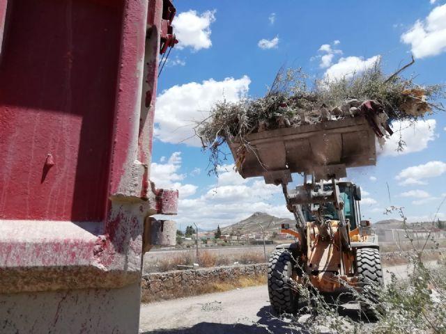 El Ayuntamiento de Lorca realiza la recogida de cerca de 254 toneladas de residuos incontrolados en un tramo del cauce del río Guadalentín - 3, Foto 3
