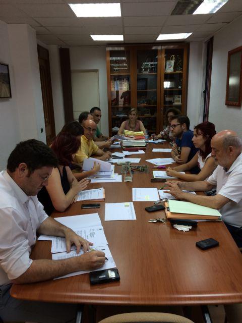 La Junta de Gobierno Local de Molina de Segura adjudica los servicios de cursos y talleres y de gestión de salas municipales de exposiciones - 2, Foto 2