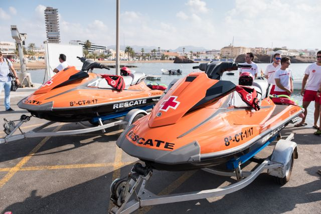 Dos nuevas motos de agua refuerzan el operativo de salvamento que presta Cruz Roja en las playas de Mazarrón, Foto 2