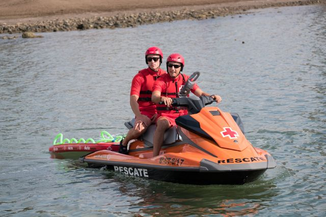 Dos nuevas motos de agua refuerzan el operativo de salvamento que presta Cruz Roja en las playas de Mazarrón, Foto 4