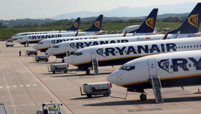 Ofrecen una serie de consejos sobre la denegación de embarque, cancelación y retrasos de vuelos con motivo de las vacaciones de verano - 1, Foto 1