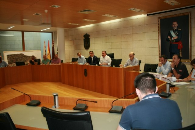 El delegado del Gobierno se reúne en Totana con el grupo de trabajo sobre el nuevo trazado del AVE y la Línea de Alta Tensión - 1, Foto 1