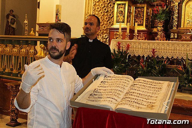 The Musical Manuscript discovered in the summer of 2017 in the parish of Santiago El Mayor is presented, Foto 5