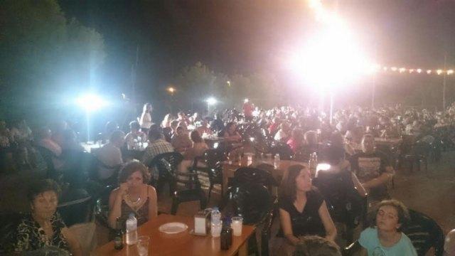 Numerosas personas disfrutaron de las fiestas de La Paloma, solidarias con D´Genes, Foto 4
