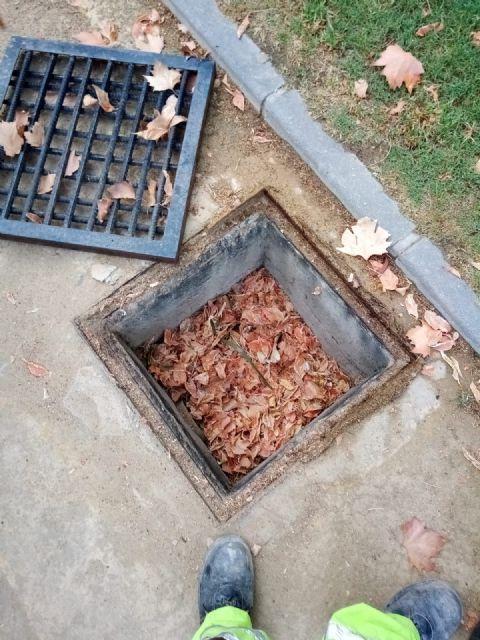 El Ayuntamiento lleva a cabo una campaña extraordinaria de limpieza de imbornales debido a la alerta amarilla por lluvias - 3, Foto 3