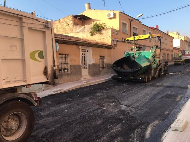 The renovation works of the drinking water and sewerage networks on Teniente Pérez Redondo Street are ending this week