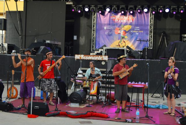 El festival Las Torres en Familia celebra su tercera edición con música, circo, humor y danza aérea - 1, Foto 1