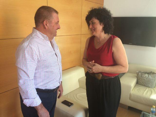 El alcalde recibe a la concejala del Ayuntamiento de Reus (Tarragona), Ana Isabel Martínez Serrano, cuyo padre es natural de Totana - 4, Foto 4