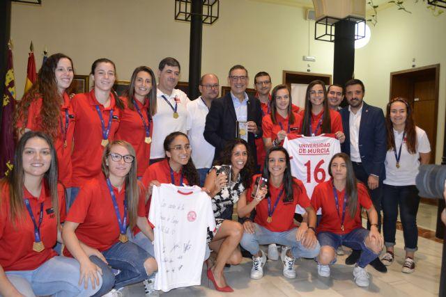 Acto de reconocimiento al equipo de fútbol sala femenino de la UMU por su triunfo en el Campeonato Europeo Universitario - 1, Foto 1