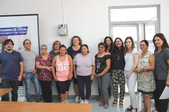 A total of 16 people participate in the Psychoeducational Training Course, Foto 1