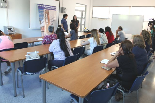 A total of 16 people participate in the Psychoeducational Training Course, Foto 5