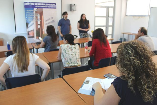 A total of 16 people participate in the Psychoeducational Training Course, Foto 6