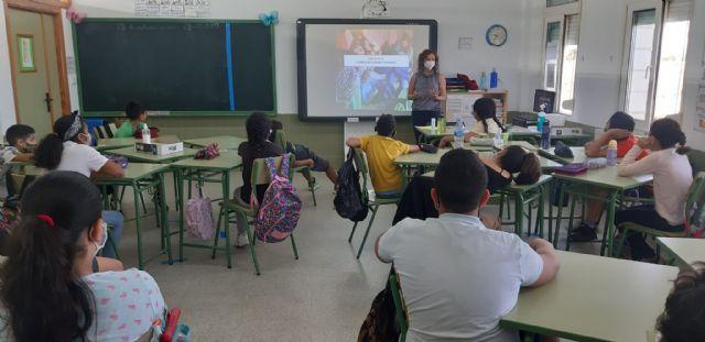 Proyecto Hombre y Bienestar Social forman a alumnos de primaria sobre el buen uso de las tecnologías y el desarrollo de ocio alternativo - 1, Foto 1