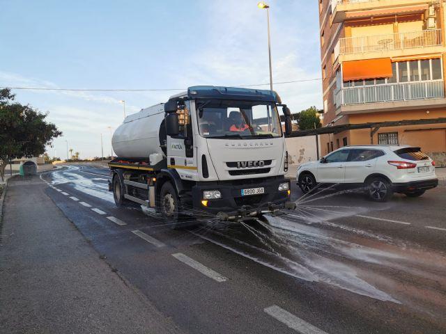 El ayuntamiento de Mazarrón intensifica la limpieza y desinfección en sus calles para combatir la covid-19 - 1, Foto 1