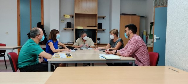 Ayuntamiento y SEF abordan las necesidades formativas de los jóvenes de Alhama - 2, Foto 2